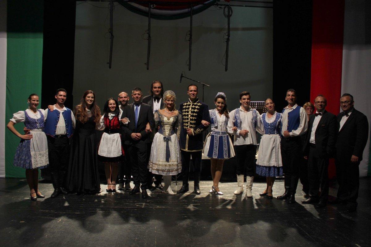 Erdélyben turnézik a Budapesti Showszínház – Interjú Tóth Ádám, színházigazgatóval