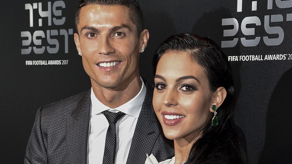 Cristiano Ronaldo eljegyezte a barátnőjét